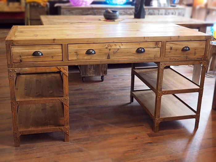 Scrivania industrial vintage ferro legno nuovimondi for Arredamento indonesiano
