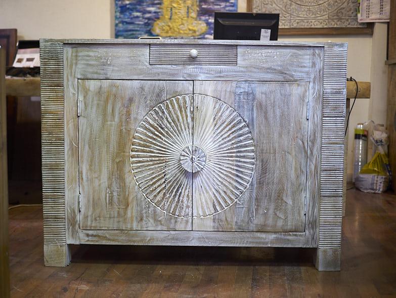 Credenza Con Vetrina Etnica : Mobile credenza etnica in legno massello vendita pezzo unico