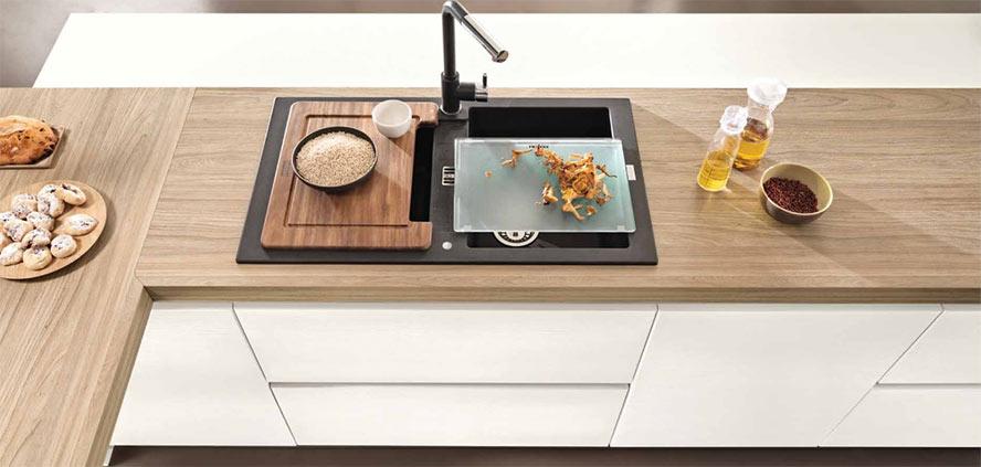 Mobili per cucine su misura torino realizzazioni di mobili - Piano cucina su misura ...