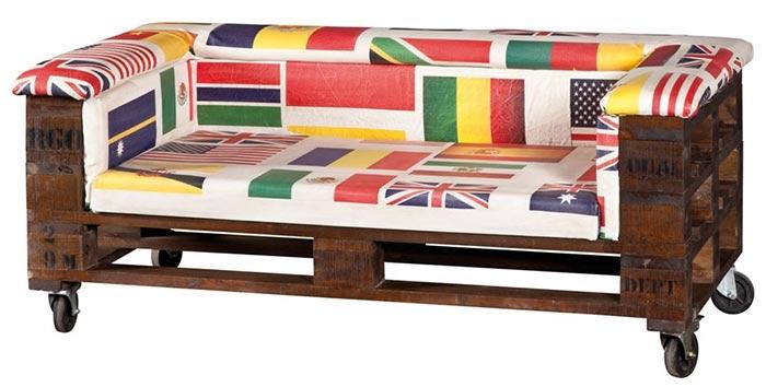 Divani etnici stile moderno in legno e bambu for Divani in pallet