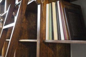 libreria con scala etnica