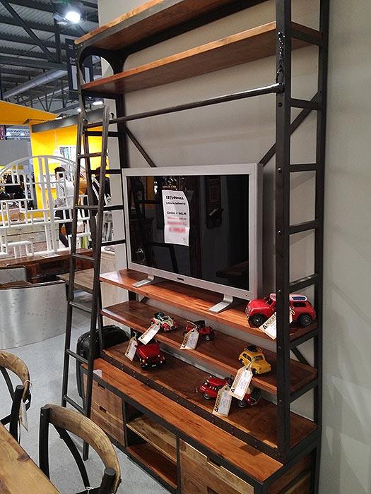 Libreria industrial con scala - nuovimondi