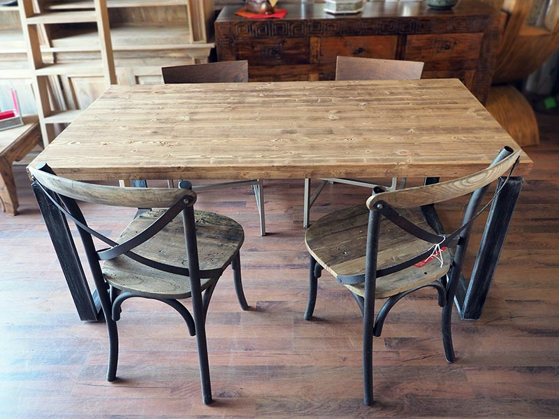 Tavolo moderno industrial legno e ferro nuovimondi for Tavolo stile industriale