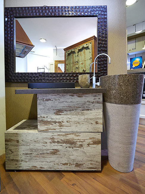 Mobile bagno etnico con colonna marmo nuovimondi - Mobile bagno marmo ...