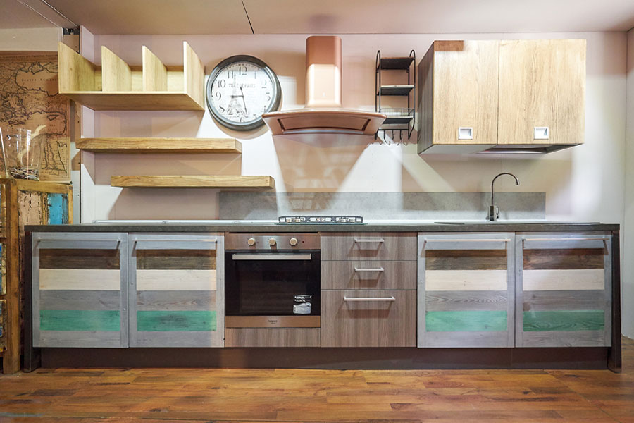 Cucina linea eco vintage stile vintage con ante in legno - Cucine etniche arredamento ...