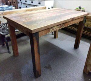 tavolo legno anticato