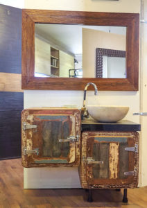 mobile bagno vintage