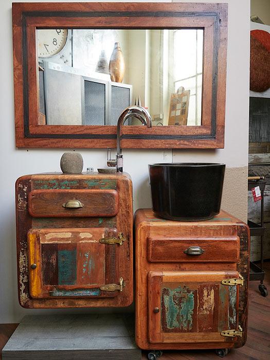 Mobili bagno vintage great cassettiera cassetti stile vintage mobiletto nero e bianco cassetti - Mobili bagno retro ...