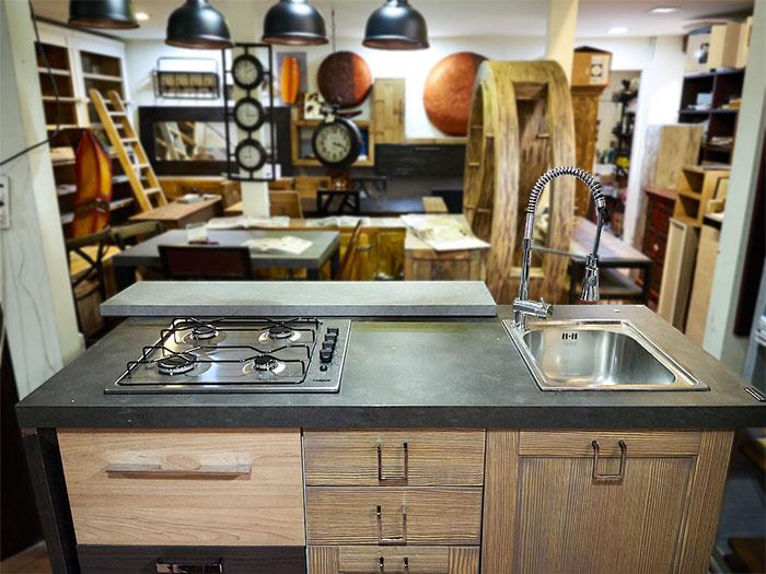 cucina isola offerta modello industrial prezzo outlet