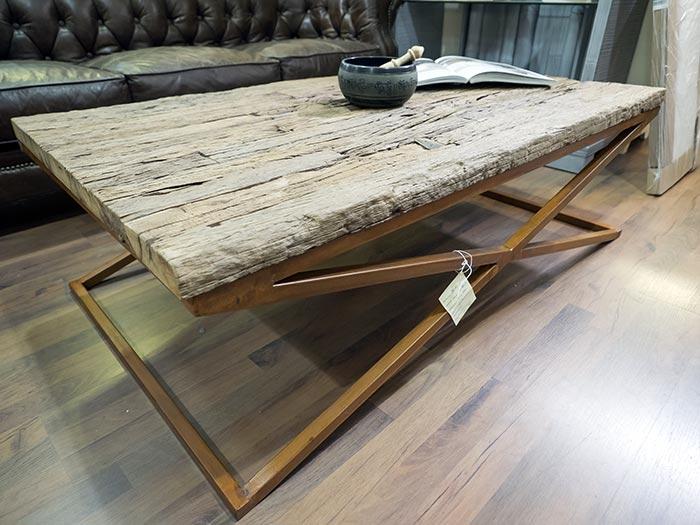 Tavolo basso legno riciclato e ferro vendita on line pezzo unico