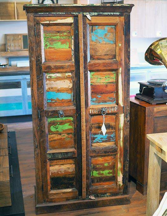 Armadio indiano noce legno massello di recupero eco vintage for Arredamento indiano on line