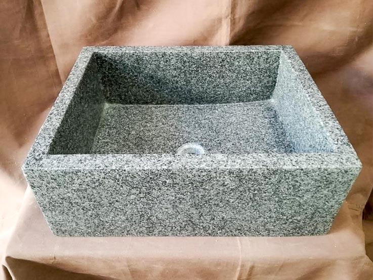 lavello rettangolare in pietra
