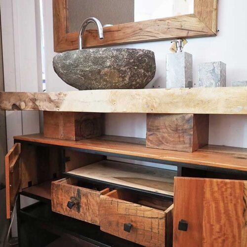 dettaglio mobile bagno legno