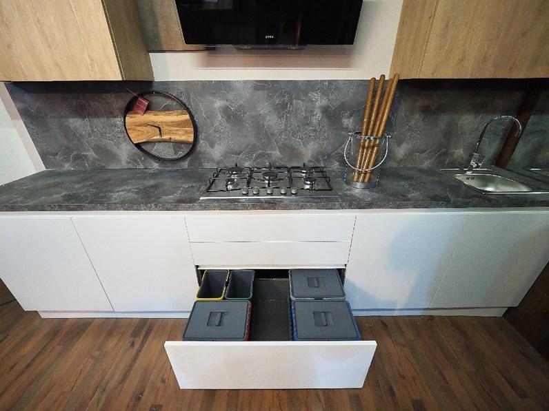 Cucina Bianca Moderna Lineare Nuovimondi Sconto 70