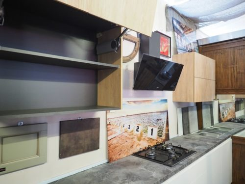 Cucina bianca moderna lineare