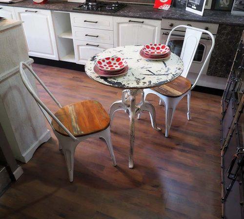 tavolo con manovella