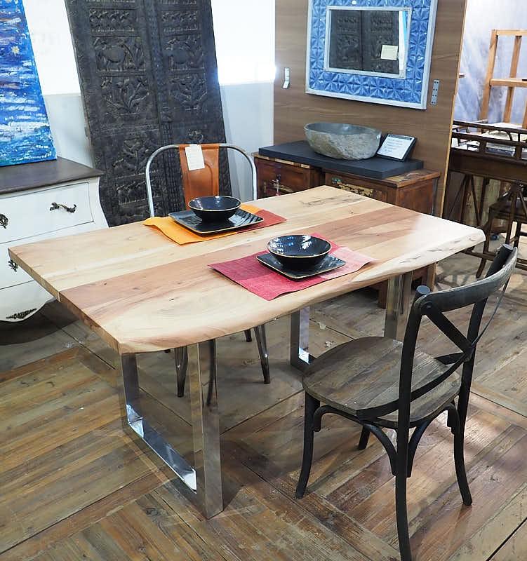 Tavolo allungabile legno massiccio di noce nuovimondi for Tavolo di legno allungabile