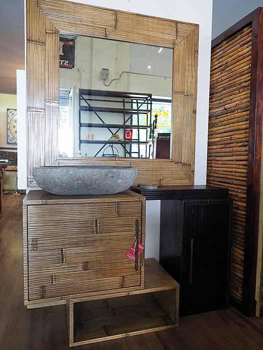 Bagno Etnico Pleto Di Specchio Stile Bamboo Moderno