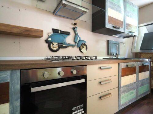 cucina moderna colorata