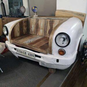 divano forma automobile
