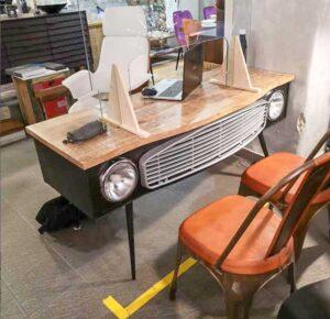 scrivania automobile