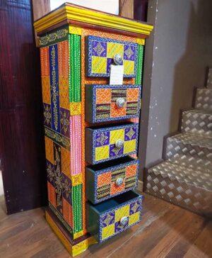 cassettiera tibetana